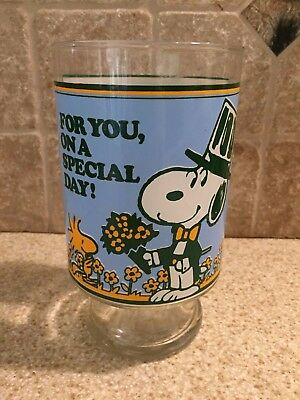 "Vintage Peanuts Snoopy Woodstock Large Glass Vase 1965 Tall 6 1/2"" Schultz"