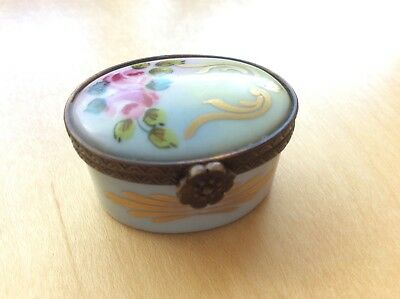 Vintage Peint Main LIMOGES France Porcelain Floral Hand Painted Pill Trinket BOX