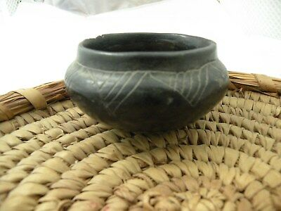 Olla Black Ware South America Pre-Colombian Native Pottery Pot Bowl Round Bottom