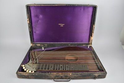 e41b29- Alte Zither in Holzkoffer