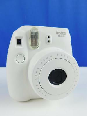 Instax Mini 8 White Instant Camera inc 10 Shots Sofortbildkamera Kamera