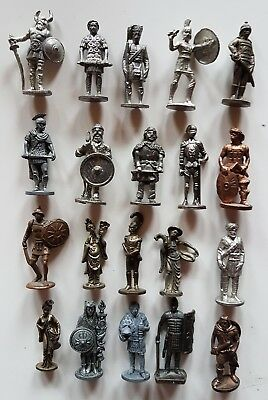 20 Metallfiguren
