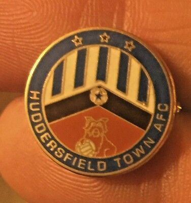 Huddersfield Town Old Round Crest Enamel Pin Badge