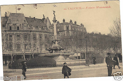 26 - cpa - VALENCE - Fontaine monumentale