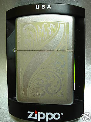 "Zippo "" Scrolled Feather "" froted Etch - NUOVO - 1056"