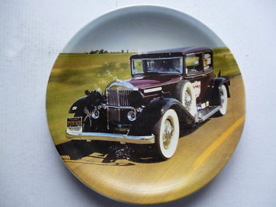 very nice decorative plate with picture of vintage vetran car 8.25 inches round