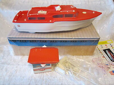 """Vintage Phillips """"66"""" Power Yacht & Marina Battery Operated Toy Boat"""