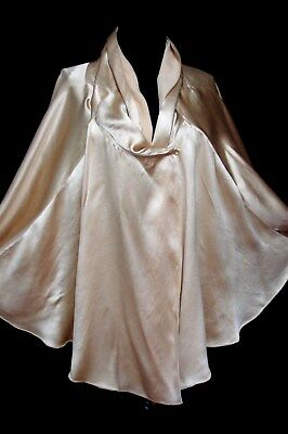 STUNNING 1920s VINTAGE SILK SATIN, IVORY COLOR DRAPING TOP SEAMED OPERA CAPE