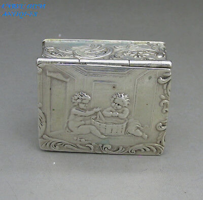 ANTIQUE DUTCH BEAUTIFUL PUTTI EMBOSSED SOLID SILVER SNUFF BOX, 36g, c1890