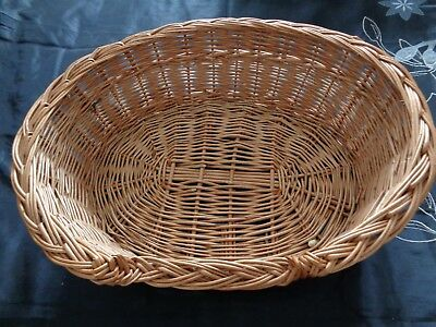 """Wicker cat/small dog basket hardly used 21.5"""" wide x 17"""" x 6"""" deep"""
