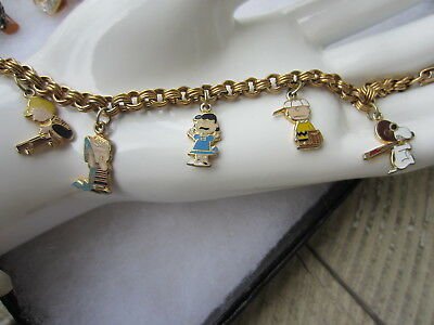 Vintage PEANUTS Characters UNITED FEATURES Enamel CHARM BRACELET Snoopy Lucy +