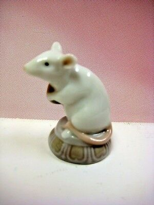 Little Mouse - Adorable Animal Porcelain Figurine By Lladro   #8341