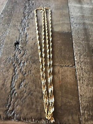Beautiful 9ct solid gold necklace chain. Twist design. Vintage necklace.