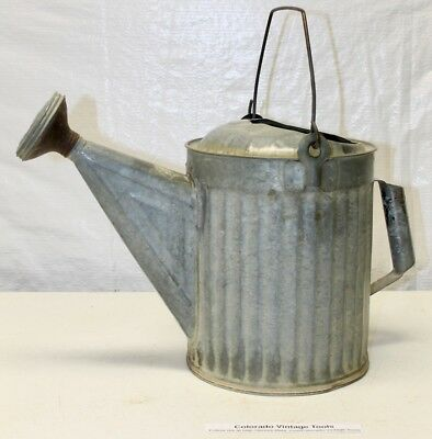 Vintage 1 1/2 Gallon Galvanized Ribbed Metal Garden Watering Can - Tool / NR