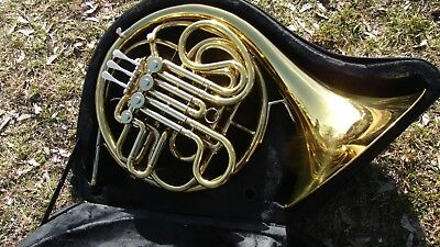 Conn 6D  Double French Horn Plays   Great Compression Excellent Case ,with Tags