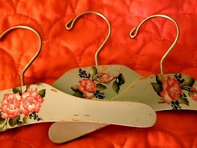 "#B3-Set of 3-KIDS-Handpainted-Decorated 10"" Wooden-Hangers🌹Vintage-Style-Roses!"