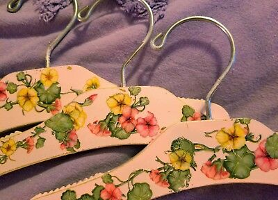 "#B4-Set of 3-KIDS-Handpainted-Decorated 10"" Wooden-Hangers🌹Vintage-Style-Roses!"