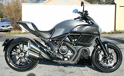 Ducati Diavel Titanium Abs Limited Edition 15 Reg Mint Condition Only 1100 Miles