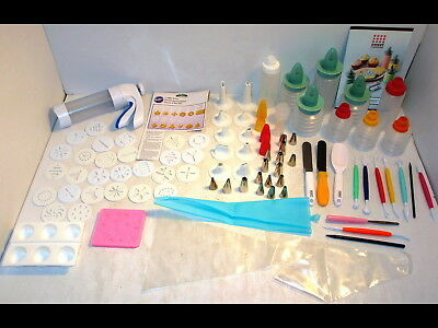 Wilton Cookie Press w/Discs Cake Decorating Tools Sweet Creations Icing Tips