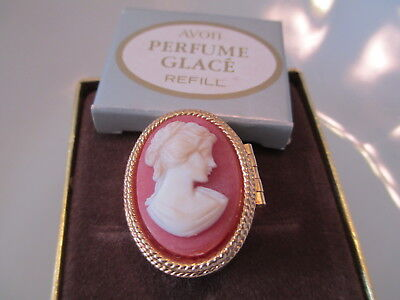 Vintage Estate Signed Avon Cameo Glace Ring With Original Box. Size 7 (Os71)
