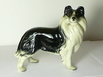NICE VINTAGE MELBA WARE LARGE BORDER COLLIE DOG FIGURINE 16cm Tall