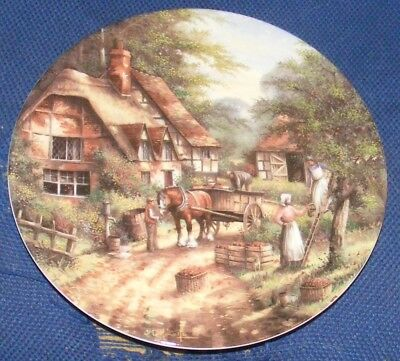1992 20cm Wedgwood Country Days The Apple Pickers Collectors Plate