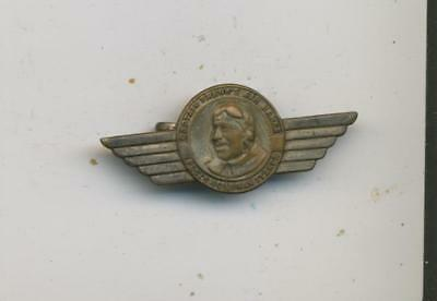Captain Frank's air hawks  Cereal premium wings pinback badge vtg post flakes