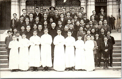 65 LOURDES - CARTE PHOTO d'un groupe Pâques 1925