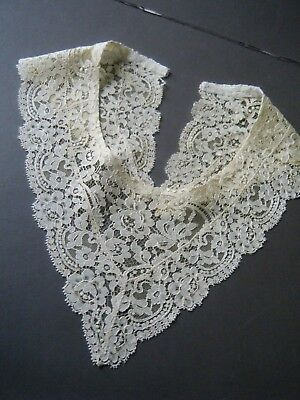 Antique Collar Victorian blonde silk  lace great design hand made