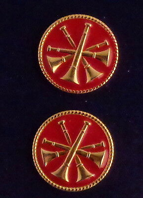 """2 Fire CHIEF/DEPUTY/ASST GOLD & RED 4 Bugles CROSSED Discs Collar/Lapel Pins 1"""""""