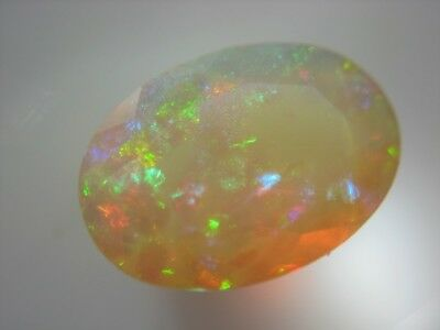 WELO OPAL  -  OVAL FACET  -  11x8 mm  -  1,93 ct.