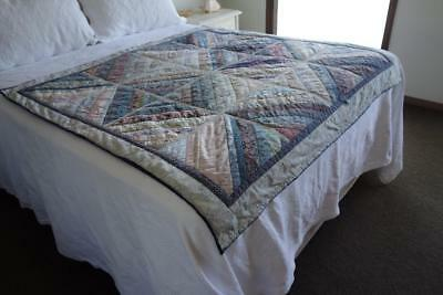 Very Pretty Handmade Quilted Patchwork Throw Bed Topper 145cm