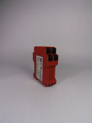 Allen Bradley 440R-W23220 Safety Relay 24 VDC ! WOW !