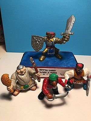 """Lot of 4  Assorted Pirate/Knight Action Figure F-P Inc,2.5"""",Clean1994,1998,1999"""
