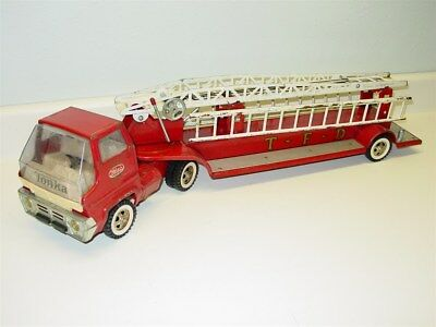 Vintage Late 1960's Tonka Aerial Ladder Fire Truck Toy
