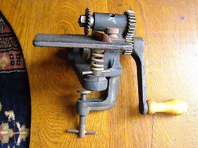 vintage pinking machine hand crank cast iron chandler cutting wheel sewing tool