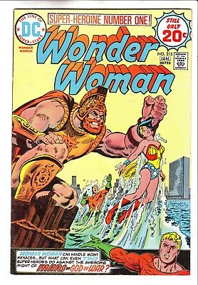 Dc Comics Wonder Woman #215 In Vf Condition