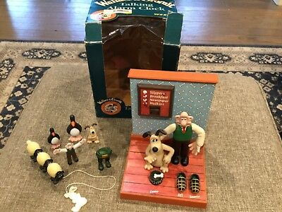 Wallace and Gromit Talking Alarm Clock with Box & Extra Figures,Tested/Works.
