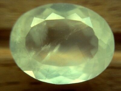 PREHNIT  -  OVAL FACET  -  13,5x10,5 mm  -  6,60 ct.