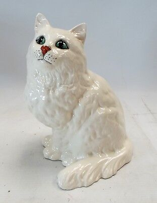 Vintage BESWICK Large White Persian Cat Figure Ornament - Number 1867 - BB7