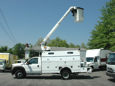2014 Ford F450 Bucket / Boom / Utility Service Truck With 37' Working Height.