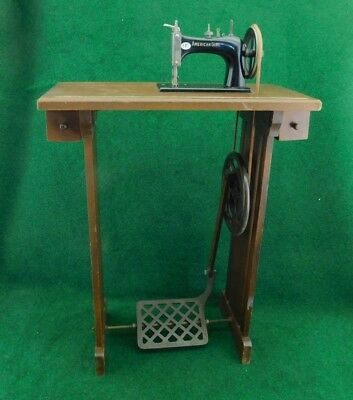 American Girl Toy Treadle Sewing Machine / TSM in Mission Oak Stand   Nice!!