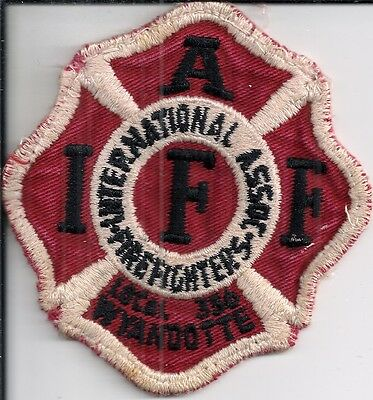 Ärmelabz. International Firefighters Association Local 356 Wyandotte / Michigan