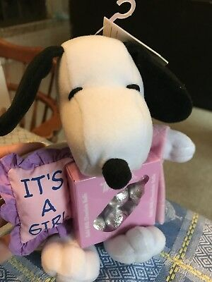 Snoopy sitting w/Pillow it's a girl pink Blanket , Plush Toy mint condition new