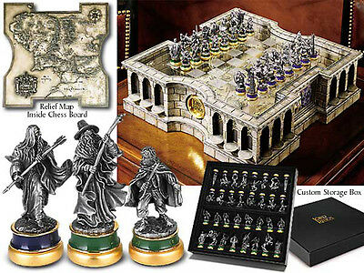 Lord of the Rings Collector's Chess Set Noble Collection Chess