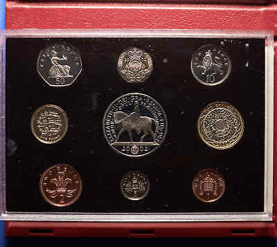 2002 (UK) Britain Proof Set 9 Total Coins. 1Penny - 5Pd.