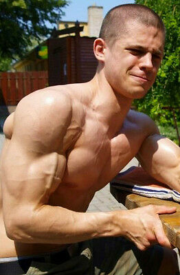 Shirtless Male Muscular Body Builder Awesome Body Guy in Car PHOTO 4X6 Pic C2197