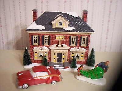 "Dept 56 Snow Village ""richmond Holiday House"" Lighted Building With Accessories"