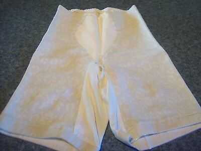 Playtex 18 hour  size Large  girdle shaper vtg ivory   GUC waist 29-30