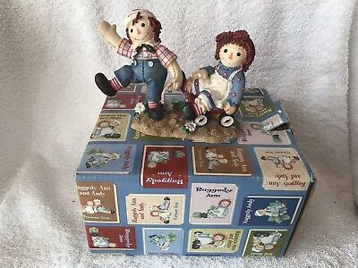 Enesco Raggedy Ann And Andy Bumpy Roads Are Easier When Happy Inside